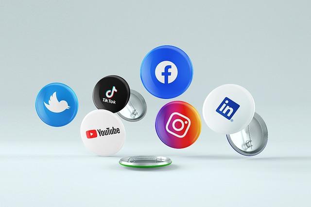 social-media-6363633_640